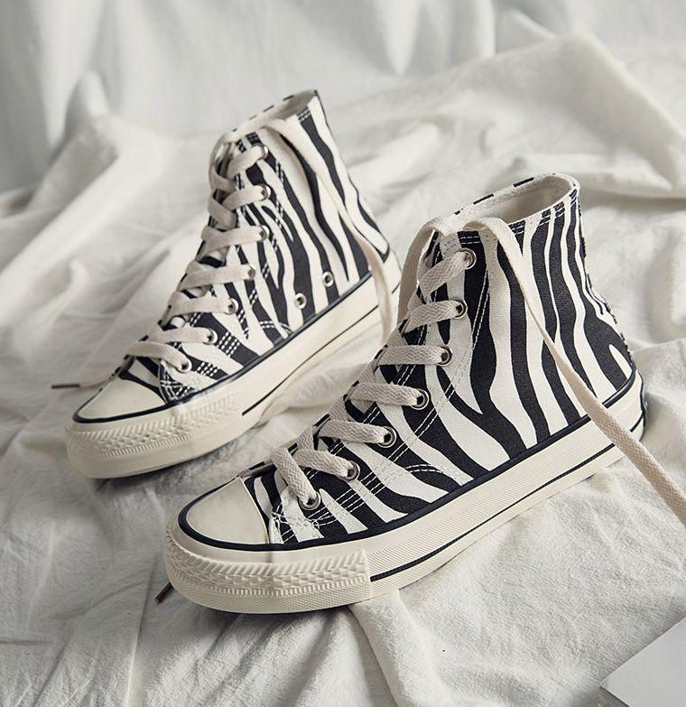 INS высокие женские холщовые туфли с узором зебры 2021 Новый стиль Женская повседневная обувь модные удобные женские кроссовки обувь