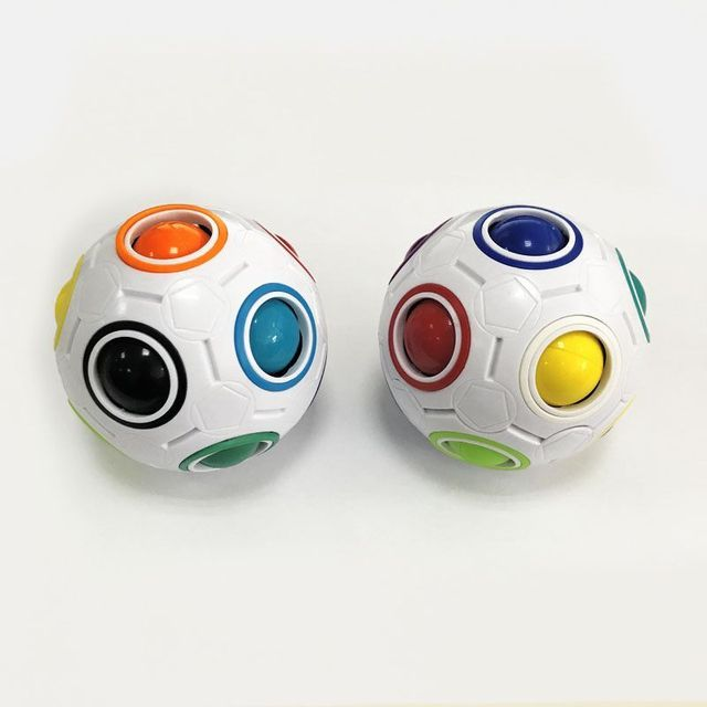 1Pc Football Magic Cube Creative Speed Rainbow Puzzles Ball Educational Learning Toys for Children Adult Kids Funny Puzzle Games 3