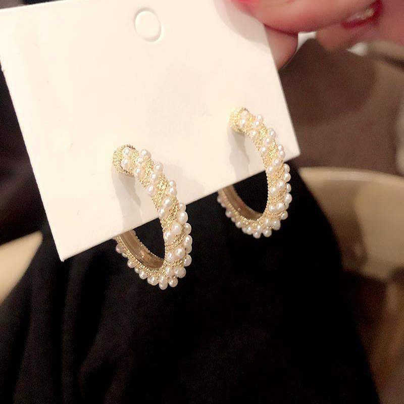 יפני וקוריאני אישיות אופנה Cshaped משובץ פרל עגילי עגילי עיצוב פשוט פופולרי רטרו עגילים באיכות גבוהה