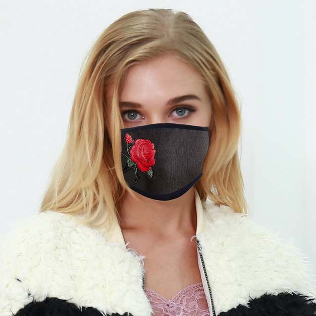 5PC Women Dust Sand Sunscreen Applique Face Cycling Breathable Mask Cotton Dustproof Anime Cartoon Kpop madque lavable#w