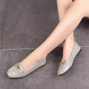 Image 3 - Femmes chaussures plates 2019 décontracté mode Slip on ballerine femme chaussures plates en cuir verni mocassins dames printemps automne chaussures de femme nouveau