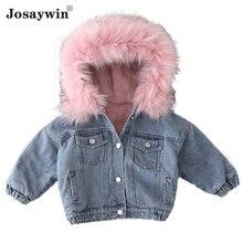 Джинсовая куртка с меховым капюшоном для маленьких девочек зимняя
