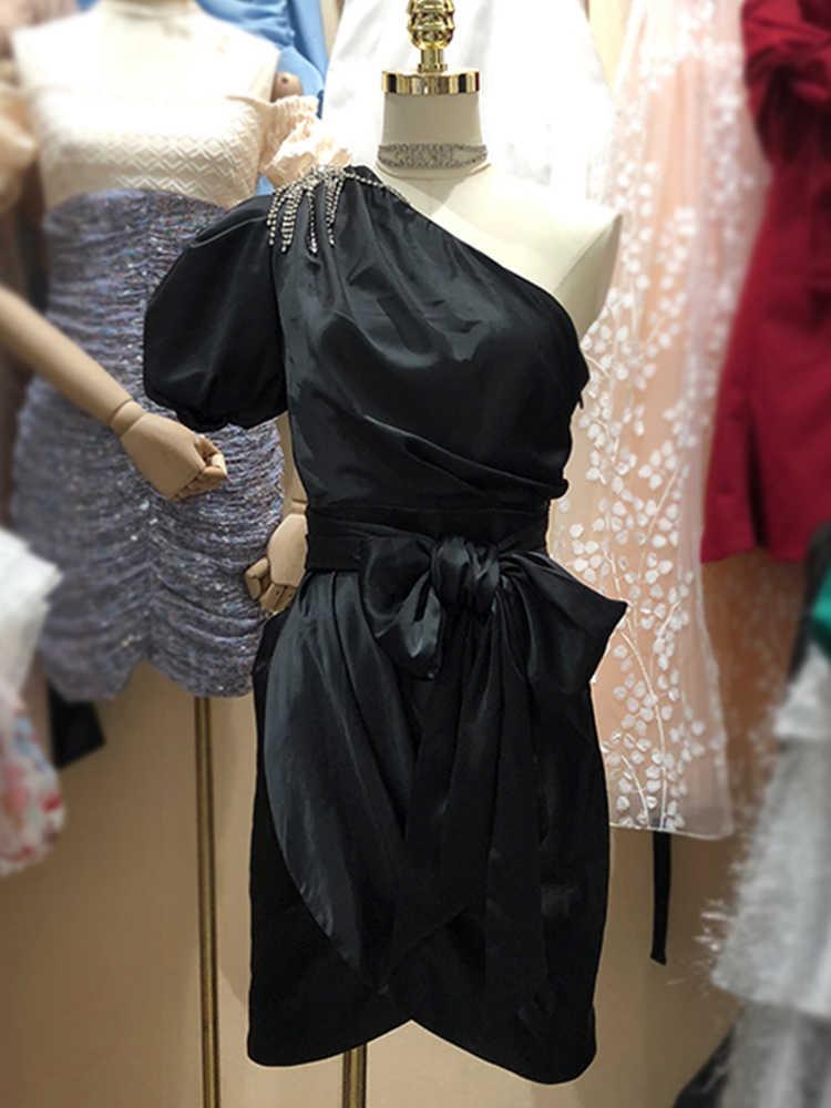 Franse Strakke Een-Schouder Kwastje Schuine Schouder Vrouwen Zomer Boog Jurk 2020 Vrouwen Zomer Onregelmatige Sexy Geplooide jurk Xl