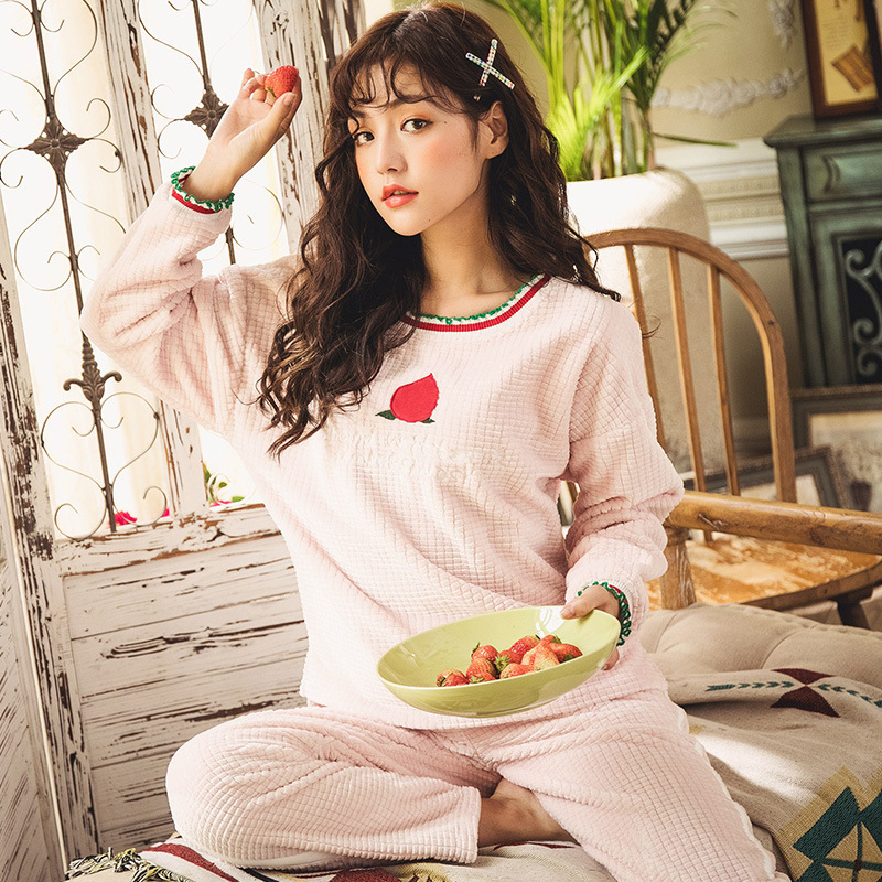 Winter New Products Cute Sweet Cut Flower Flannel Women Pajamas English Peach Embroidery GIRL'S Homewear Set
