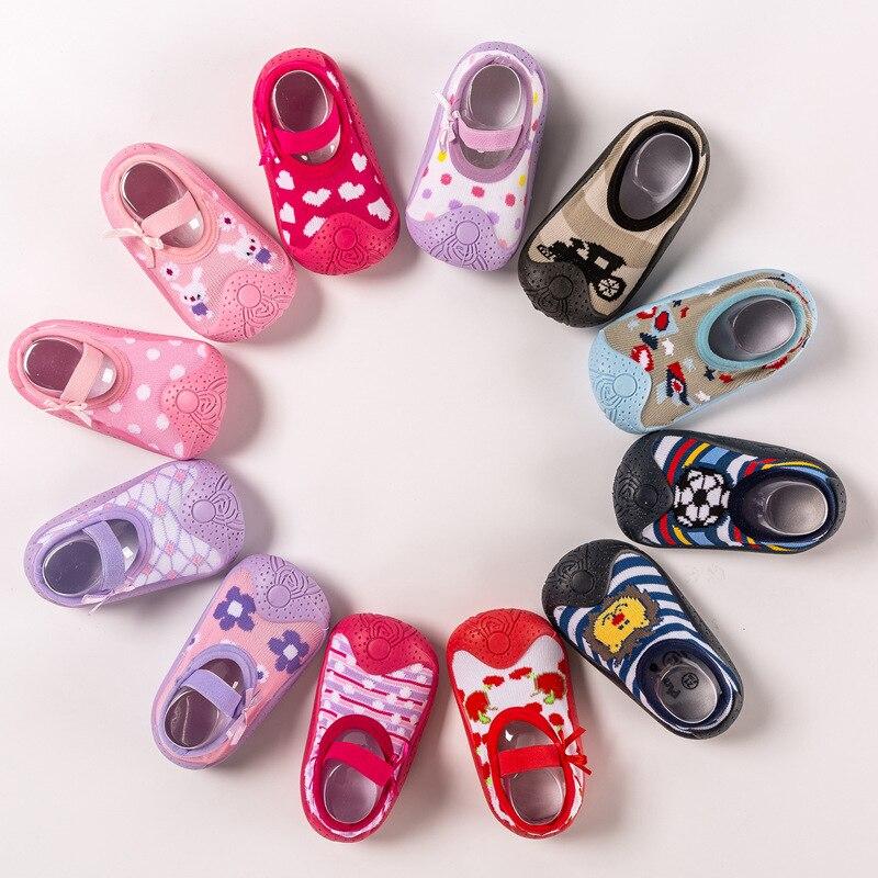 Zapatos de bebé para interior antideslizantes zapatos medias para bebé recién nacido Zapatos bebé niño suave parte inferior de goma Calcetines Nueva ropa de otoño e invierno para niñas. Conjunto Estilo conejo acolchado de algodón cálido 0-2T para bebés recién nacidos 3 unids/set vestido para andar