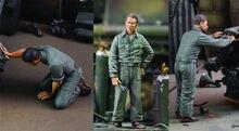 1/35 modern man Mechanics (3 figures)   Resin figure Model kits Miniature gk Unassembly Unpainted