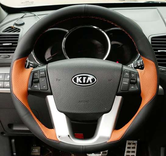 Black Leather Hand-stitched Car Steering Wheel Cover for <font><b>KIA</b></font> Sorento XM FL 2014 <font><b>Kia</b></font> Cadenza K7 2011-2015 image