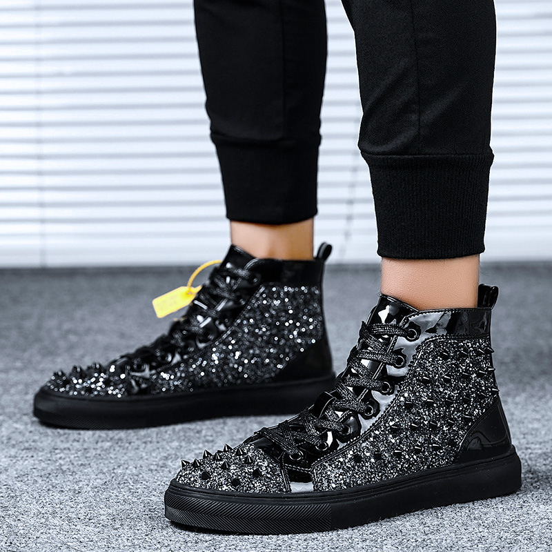 2020 New Luxury Brand Men Boots Rivet Shoes Black Diamond Rhinestones Spikes Men Shoes Rivets Casual Flats Sneakers Wholesale