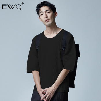 EWQ / 2020 Spring Summer Fashion New Men's Tops Trend Japanese Style Round Neck Short Sleeve Pleated T-shirt Male casual 9Y468