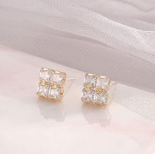 Ladies Luxury 925 Silver Needle Square Fashion Earrings Vintage Bridal Banquet Jewelry White Zircon Stud Earrings