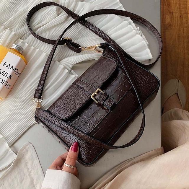 حزام مصمم بولي Leather حقائب جلدية Crossbody للنساء 2020 الكتف حقيبة بسيطة سيدة حجر نمط حقائب السفر ومحفظة