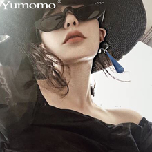 Sexy Small Sunglasses Women Personlity Cute Vintage UV400 Alloy Ring Decorate Black Red Colorful Mirror Ladies Eyeglasses Shades