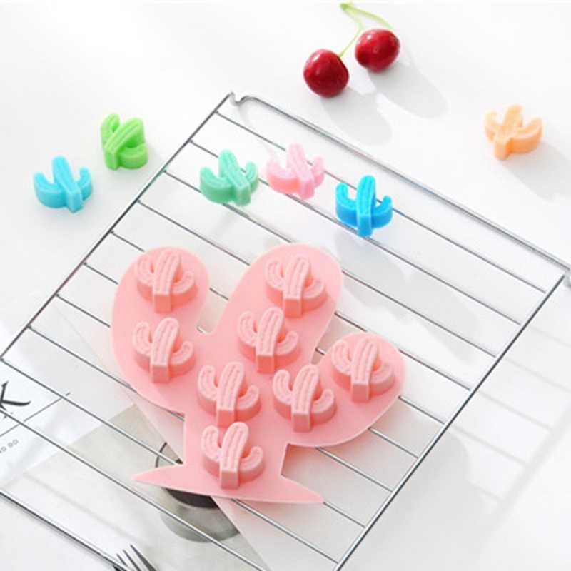 2019NEW 8 ثقوب صغيرة الصبار قالب الكعكة للخبز DIY بها بنفسك ثلاثية الأبعاد شكل غير عصا سيليكون هلام الكعك موس الشوكولاته أدوات قولبة