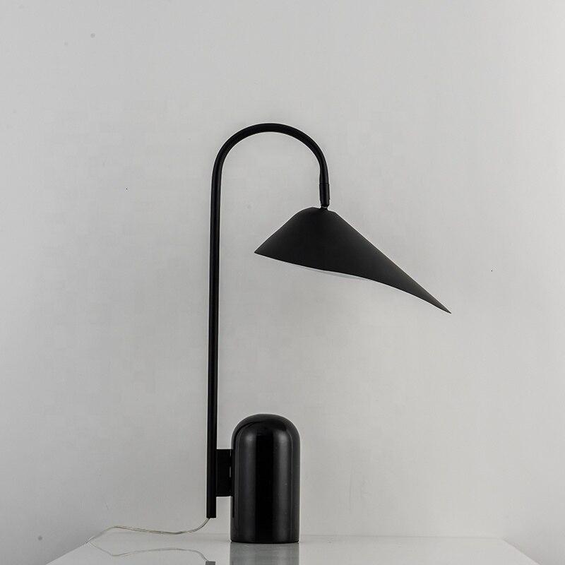 Ferro preto folha de lótus mármore base lâmpada mesa dask lâmpada luminaria