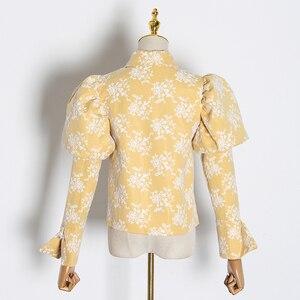 Image 2 - TWOTWINSTYLE Stickerei Hit Farbe frauen Blusen Revers Kragen Puff Langarm Dünne Hemden Für Weibliche 2020 Mode Kleidung Flut