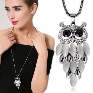 SBlack Chain Owl Neck...