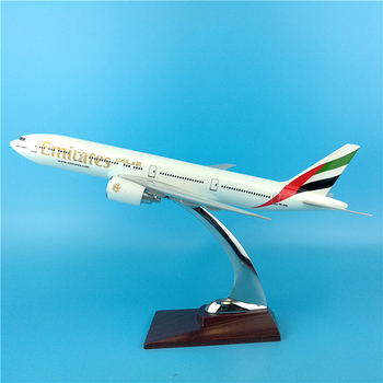 32CM 1:250 Scale Emirates Airlines Boeing B777 Airplanes Aircraft Model Diecast Resin Plane Model Collectible Decoration Gifts