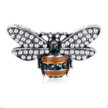 2019 new fashion animal brooch personality alloy drops of oil studded bee corsage retro Pearl dress