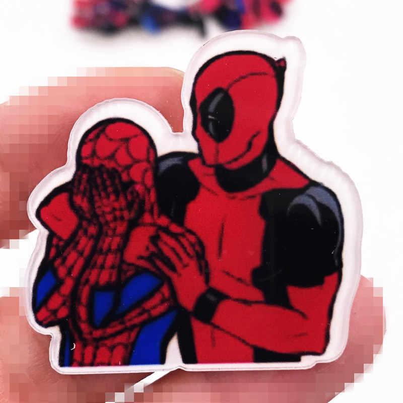 1PC Engraçado Dos Desenhos Animados Spider Man Deadpool Ícone Crachá Acrílico Para Presentes da Festa de Aniversário Do Miúdo Alta Qualidade New Marvel Herói broche Pin