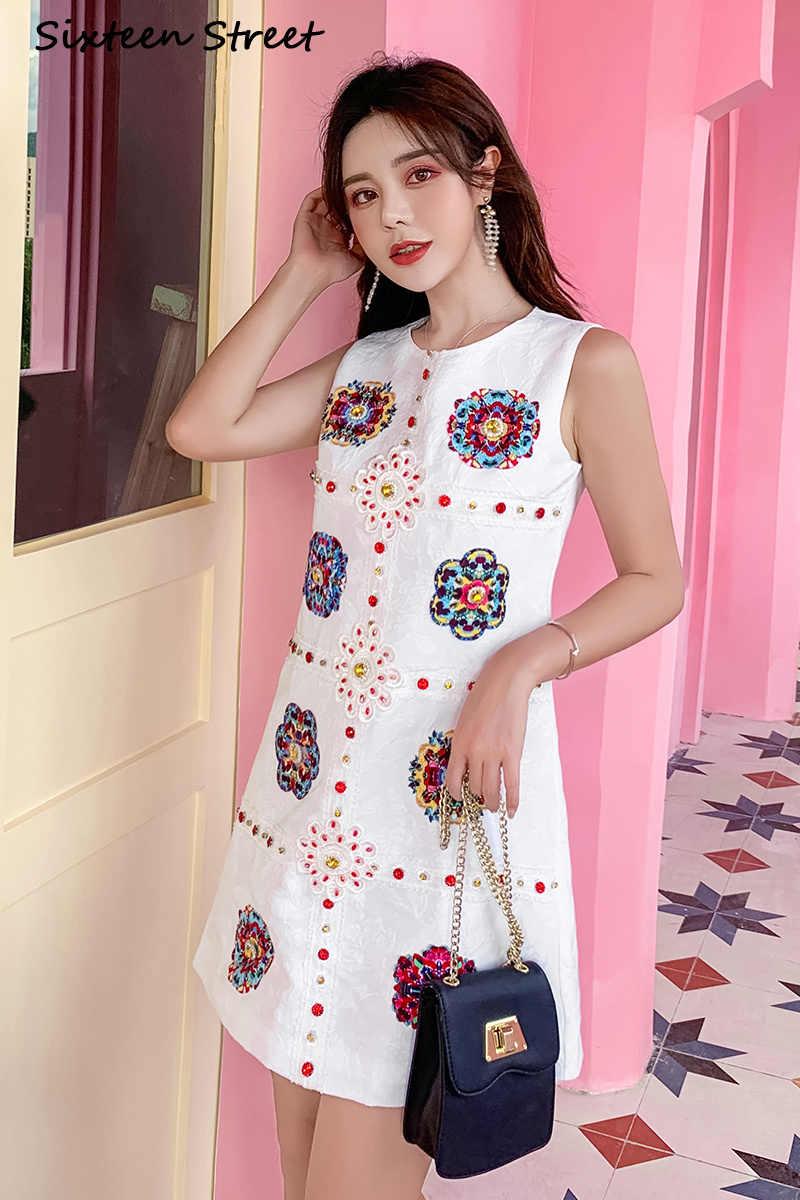 新しい夏ノースリーブ花刺繍ドレス女性 2020 ダイヤモンド宝石ラウンド襟ミニドレス女性ホワイトソリッドボディコン ladeis
