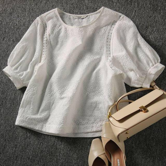 2021 Summer New Korean Fashion Women's Lantern Sleeve Loose Shirts Embroidery Cotton Lace O-neck Casual Blouses Plus Size 13440 4