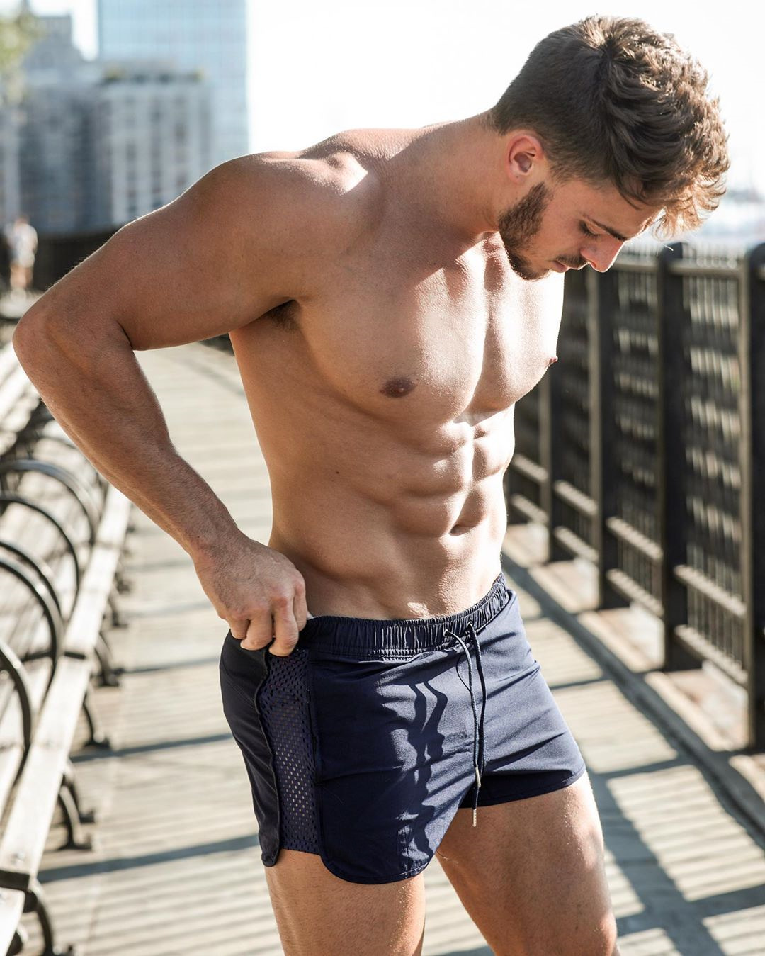 New Summer Stretch Mesh Sub-fitness Training Sprint Sports Shorts Male Patchwork Quick-dry Shorts