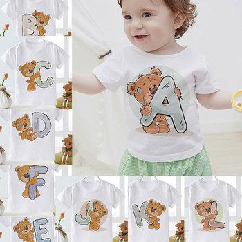 Koszulki dla dzieci nazwisko list kreskówka niedźwiedź graficzny T-Shirt chłopcy dziewczęta prezent urodzinowy letni maluch niemowlę dziecko topy t-shirty tanie i dobre opinie COTTON POLIESTER CN (pochodzenie) Na co dzień Zwierząt REGULAR Z okrągłym kołnierzykiem SHORT Pasuje na mniejsze stopy niezwykle Proszę sprawdzić informacje o rozmiarach ze sklepu