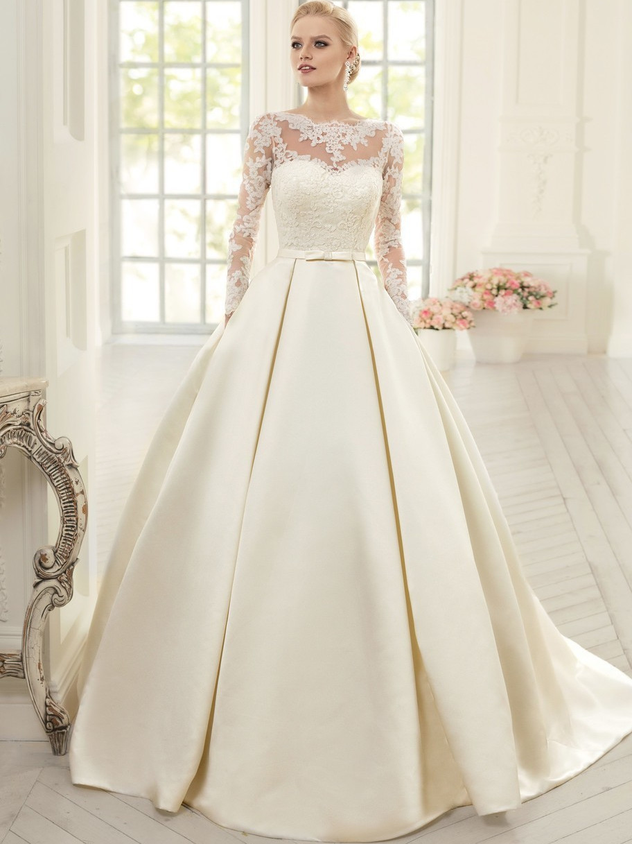 Elegant Long Sleeve Bridal Gown With Lace 2018 High Neck Backless Vestido De Noiva Princes Casamento Mother Of The Bride Dresses