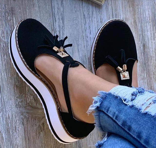 Tassel Round Toe Flat Sandals Thick Bottom Buckle Strap Casual Beach Single Shoes Woman Non-slip Flats Woman Sandal Chaussures 21