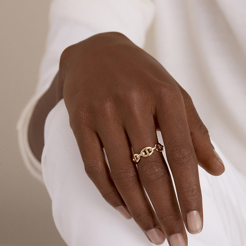 HUANZHI-2019-New-Trend-Curve-Hollow-Line-Three-Rows-Wide-Face-Pig-Nose-Modeling-Adjustable-Rings (1)