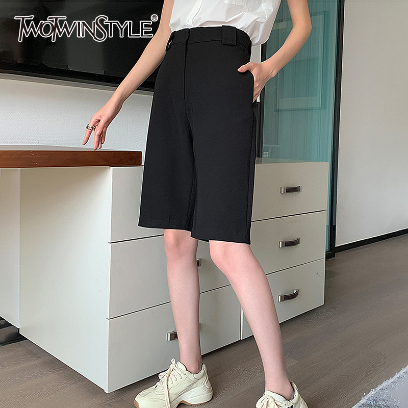 TWOTWINSTYLE Casual Loose Women Shorts High Waist Midi Straight Street Style Short Pants For Female Fashion Clothing 2020 Tide