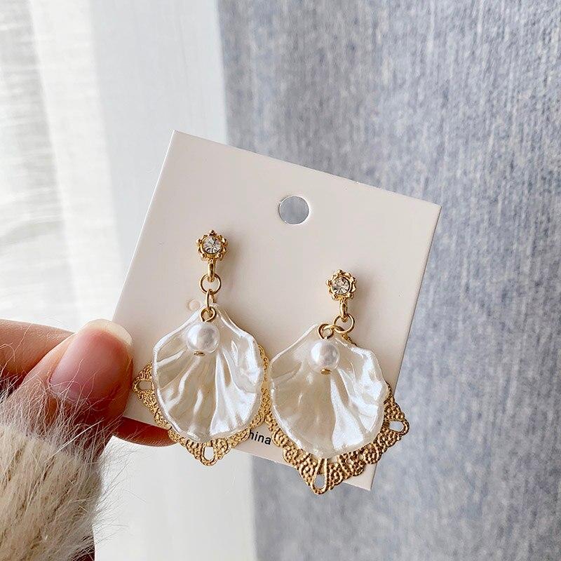 Sansummer New Hot Fashion Golden Openwork Geometric Elements Shell Pearl Shiny Rhinestone Boho Pendant Elegance Earrings Jewelry