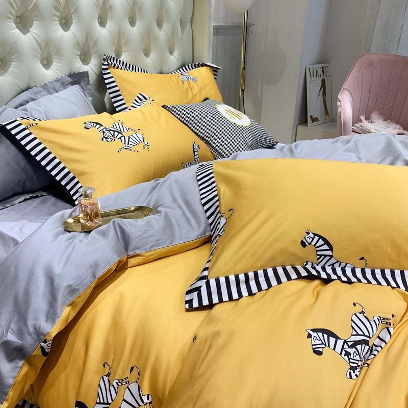 100% puro algodón 2019nuevo juego de ropa de cama de dibujos animados adorable cebra impreso amarillo edredón cubierta de Color sólido gris sábana doble reina rey - 2