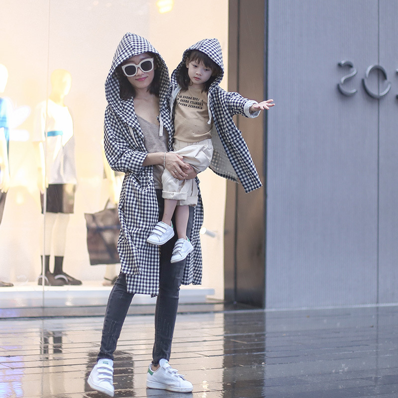Mommy and Me Clothes Hooded 100% Cotton Plaid Mother & Daughter windbreaker Family Matching Long-sleeved Jackets QZ089