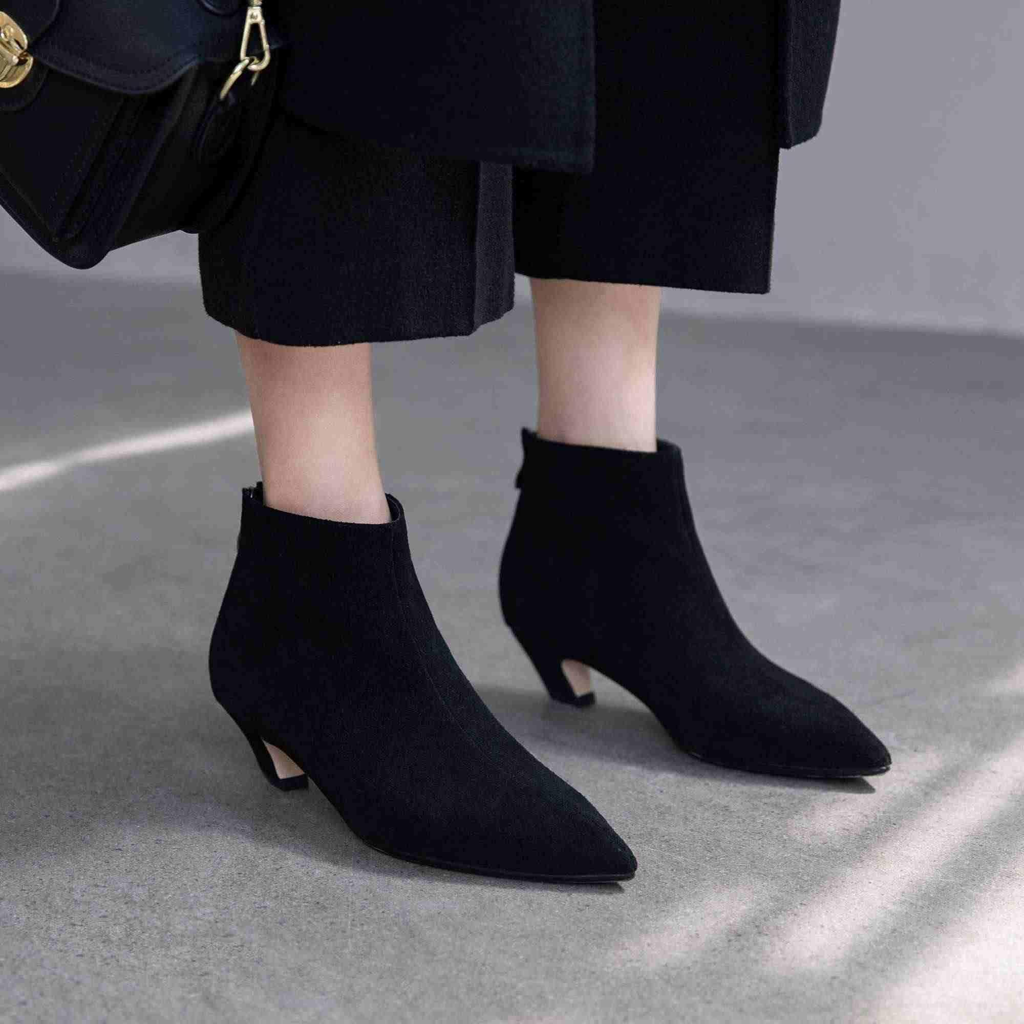 Krazing pot yumuşak nefes inek süet çizmeler sivri burun med topuklar kış sıcak tutmak moda olgun kadın fermuar yarım çizmeler L02