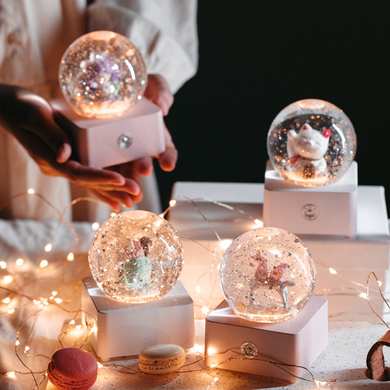 Night Light Music Box Anime Song Lovely Cartoons Crystal Ball Music Box Snow Globe Gift Boite A Musique Home Decoration DK50MB