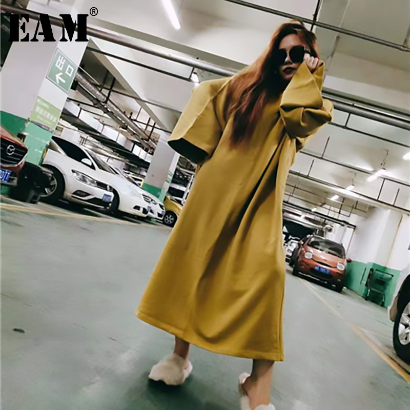 [EAM] Women Big Size Oversize Dress New Round Neck Long Sleeve Loose Fit Fashion Tide All-match Spring Autumn 2020 1B112