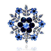 Danrun jewelry manufacturers selling new fashion snowflake brooch spot supply