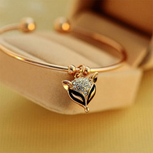 New Brand Charming Crystal Fox Bracelets Bangles For Women Girls Bangle Gold Color Metal Bracelet Statement Jewelry Gift WD568