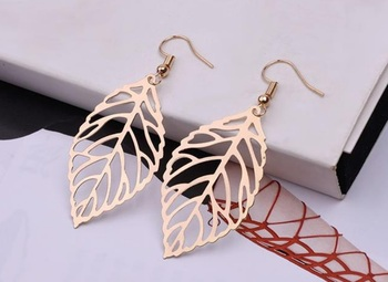 1 Pair Leaf Shape Drop Dangle Hook Earrings Tendy Bohemian Finished Hammered Oval Dangle Earrings Gold/Silver Color image