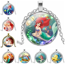 2019 New Beautiful Mermaid Printing Necklace Jewelry Small Glass Convex Round Pendant Gift for Friends
