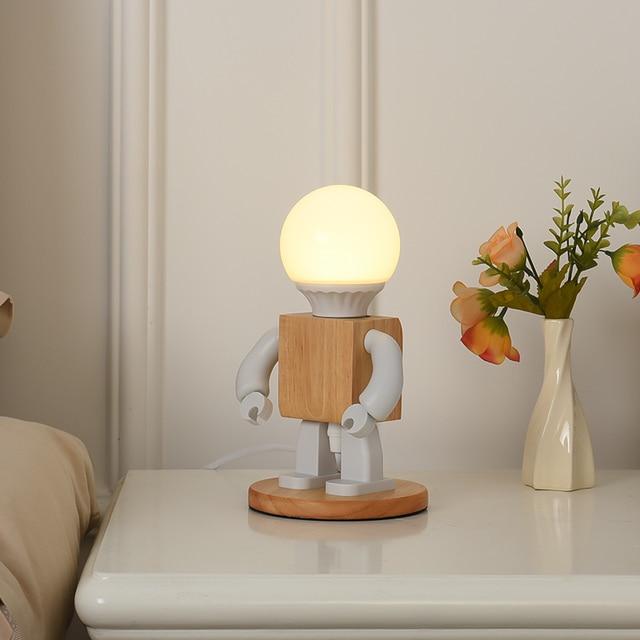 Фото деревянная светодиодная лампа в виде робота настольная украшение