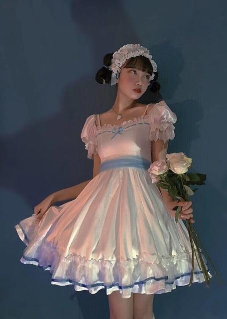 Фото готическое винтажное платье лолиты с квадратным воротником и цена