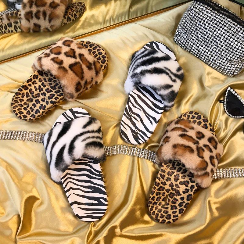 Léopard pantoufles femmes fausse fourrure printemps été à l'extérieur dames diapositives 2021 plate-forme plate femme sandales décontracté motif zèbre chaussures