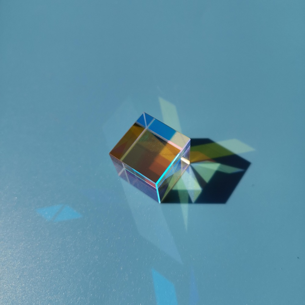 Prizma altı taraflı parlak 15*15*15mm Xcube hediye optik prizma çocuk popüler bilim fizik deneysel ekipman