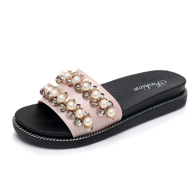 2020 spring and Autumn New Pearl women's slippers flat bottom leisure fashion word women's sandals outdoor pearl women's shoes