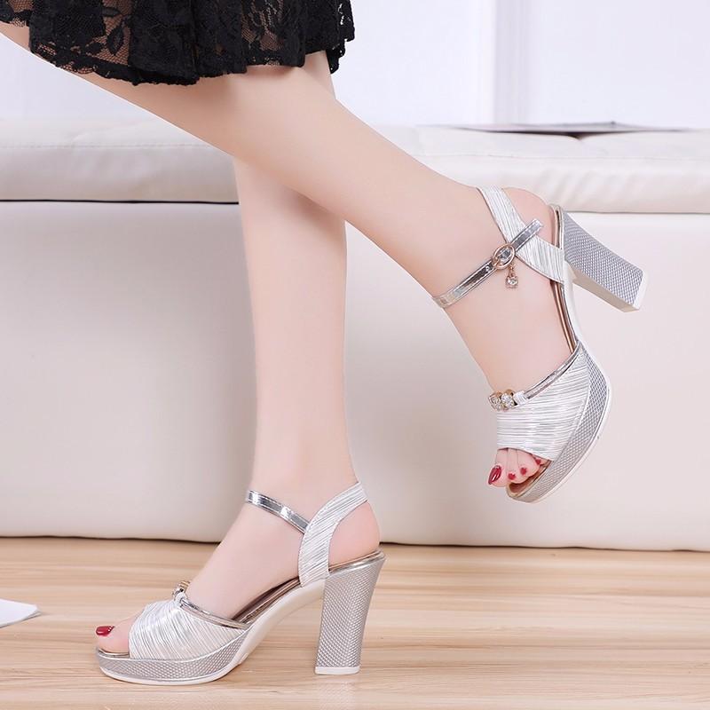Сандалии женские на платформе босоножки высоком каблуке соблазнительные