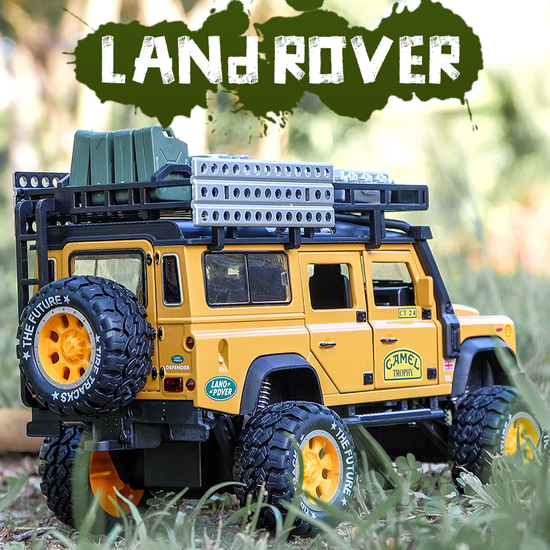 1:28 Diecast Toy Vehicles Camel Defender Model Car Toys Trophy Pull Back Sound&Light Collection For Children Birthday Gifts