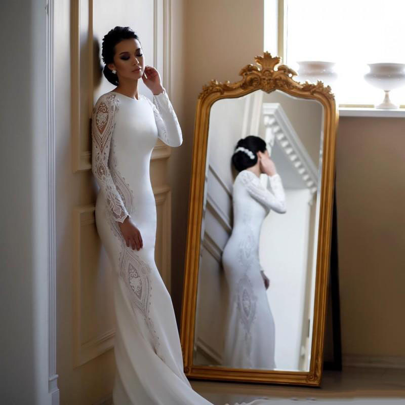 Elegant Mermaid Wedding Dresses Lace Appliqued Beaded Jewel Neck Sweep Train Boho Wedding Dress Bridal Gowns Long Sleeves
