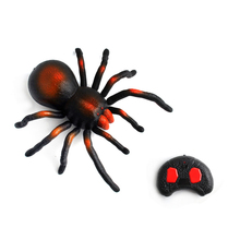 Halloween Kid Remote Controller Realistic Simulation Spider Creepy Gifts Decoration Crawl Scary Toys Infrared Animal Home